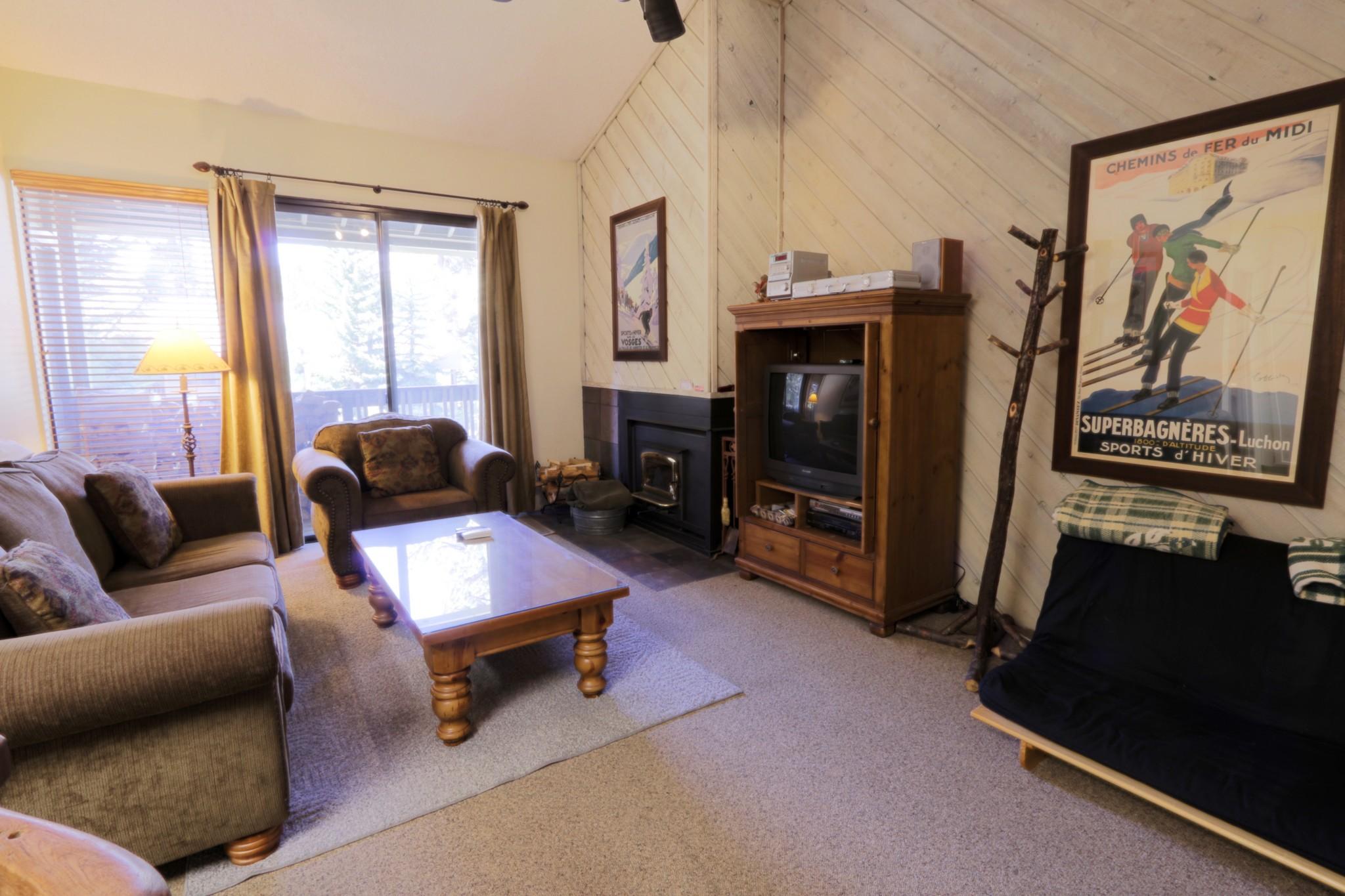 Crestview#40.living room