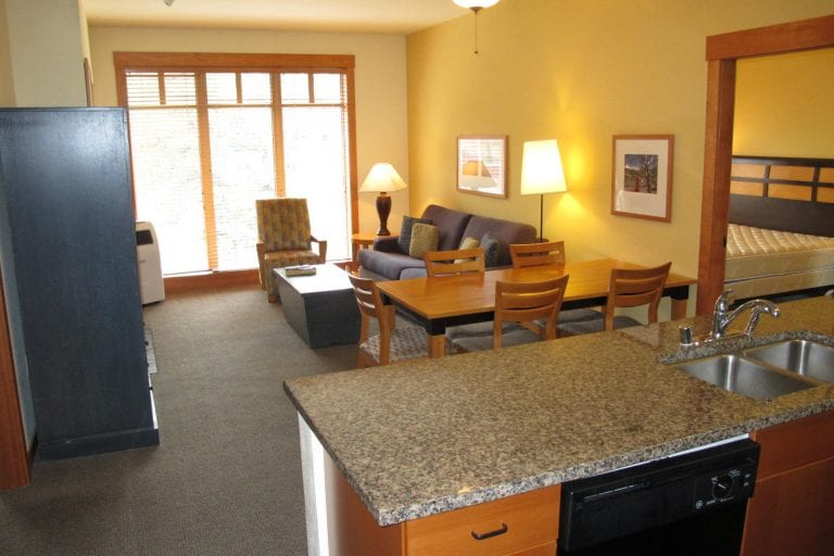 Mammoth Foreclosure of The Week | White Mtn. Lodge #2404
