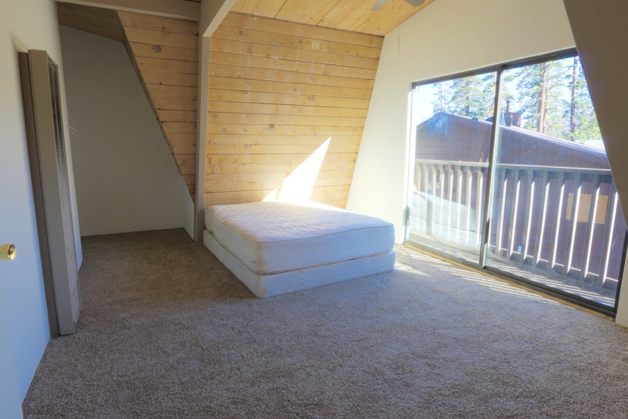 1682 Forest Lane.up bedroom