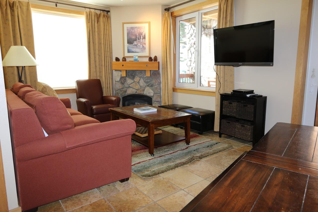 Juniper Springs Lodge #246.living